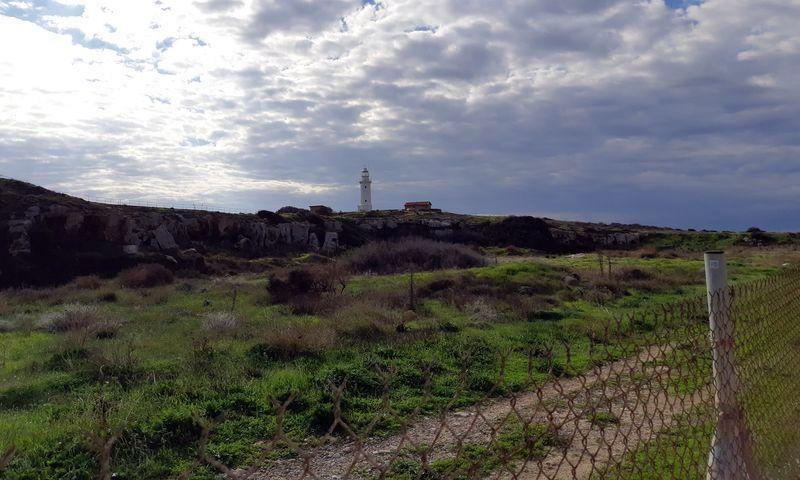 Маяк в Пафосе. Зима - зелёная пора на Кипре