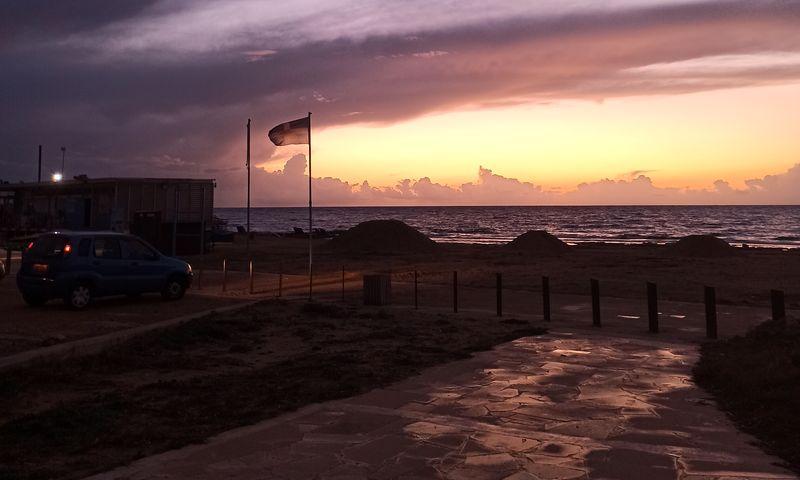 Пафос зимой. Вечерний пляж Lighthouse (Faros beach)
